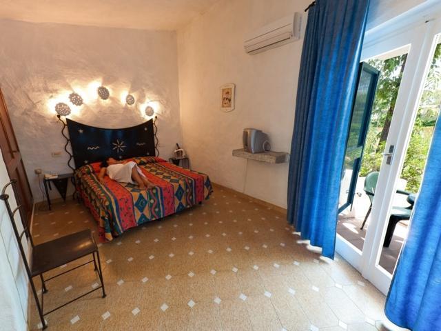 vakantie sardinie - kamers van bungalow club village.jpg