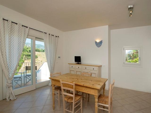 vakantie appartementen sardinie - ea bianca in baja sardinia (3).jpg