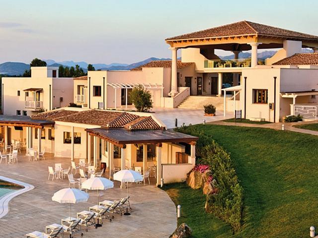 vakantie san teodoro - hotel en residence grande baia.jpg
