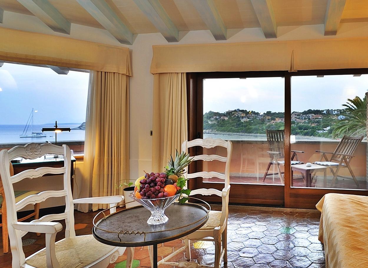 prestige kamer met fantastisch uitzicht over zee - oost sardinie.jpg