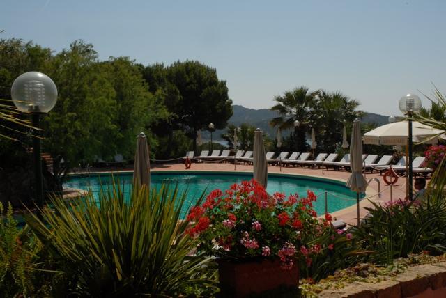 hotels porto cervo - hotel le ginestre - sardinie.jpg