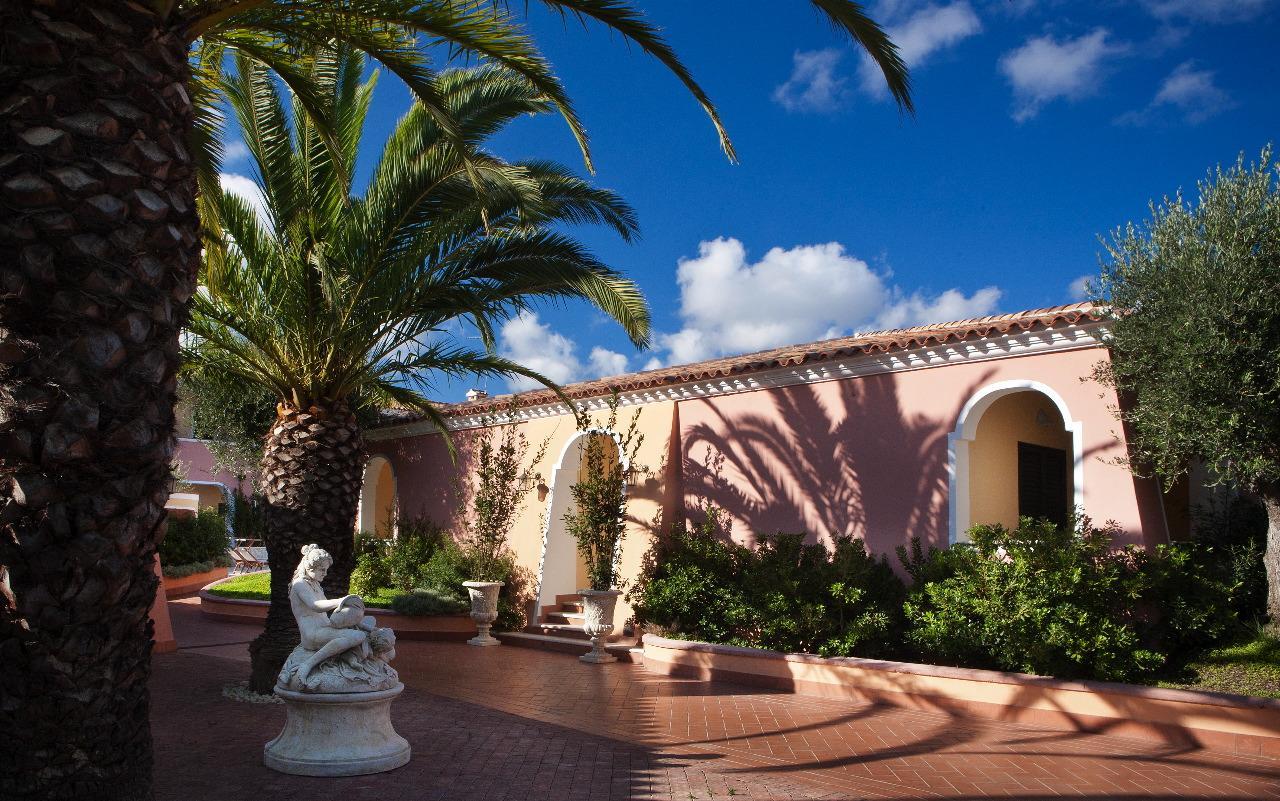 hotel sardinie orosei - resort cala ginepro - oost sardinie (3).jpg