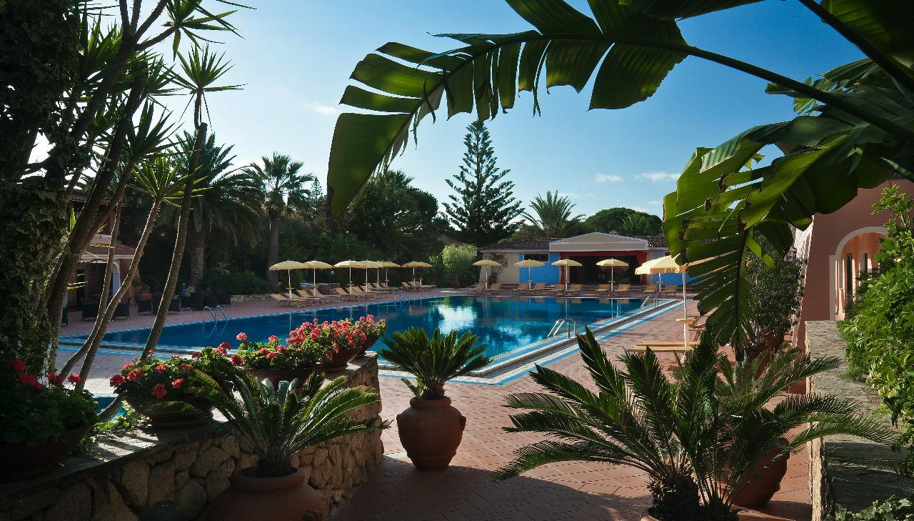 hotel sardinie orosei - resort cala ginepro - oost sardinie (8).jpg