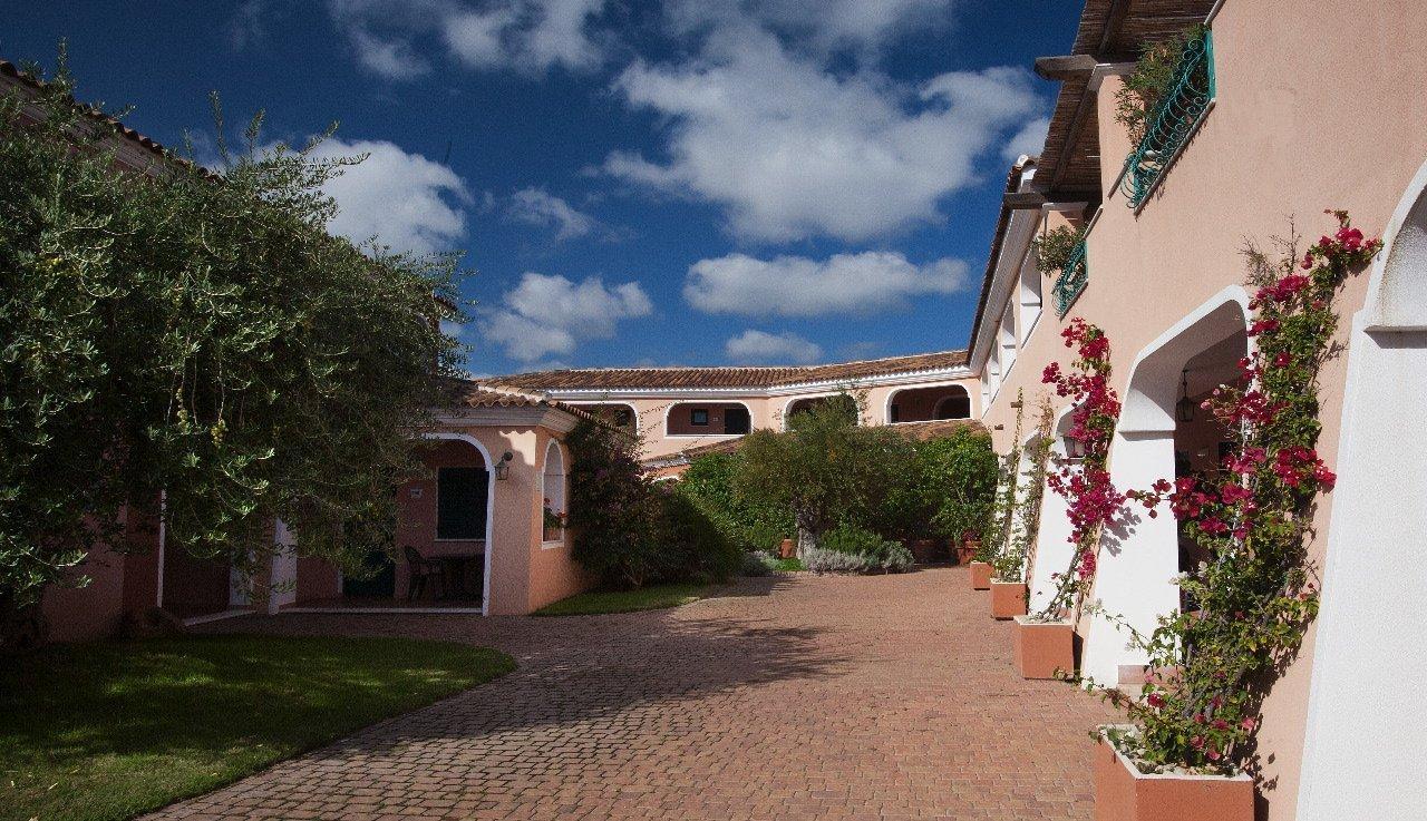 hotel sardinie orosei - resort cala ginepro - oost sardinie (9).jpg