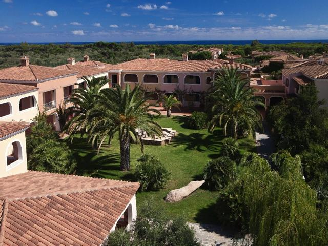 vakantie orosei sardinie - hotel resort i giardini di cala ginepro (2).jpg