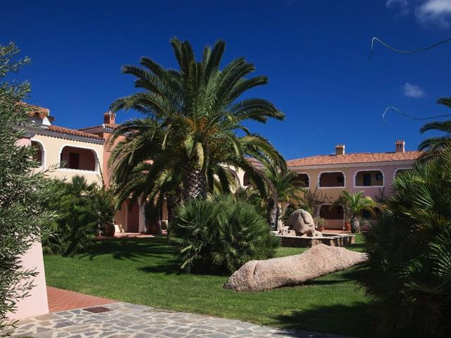 vakantie orosei sardinie - hotel resort i giardini di cala ginepro (3).jpg