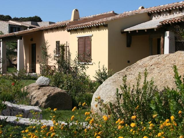 kleinschalig appartementencomplex sardinie - punta falcone sardinia4all (3).jpg