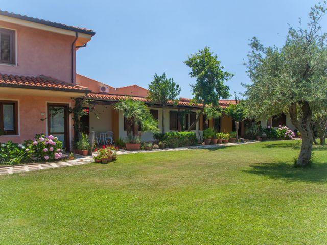 country-hotel-sardinie-sa-mola (3).jpg
