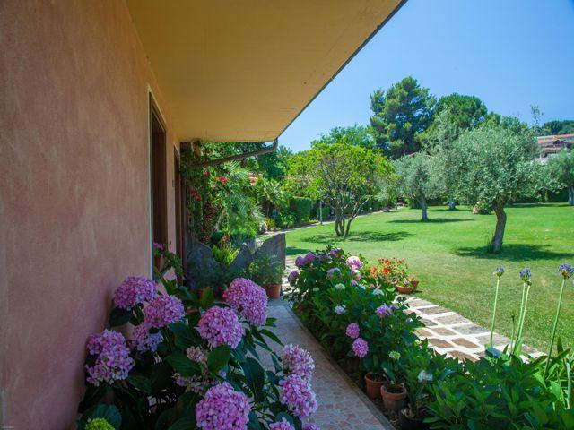 country-hotel-sardinie-sa-mola (2).jpg