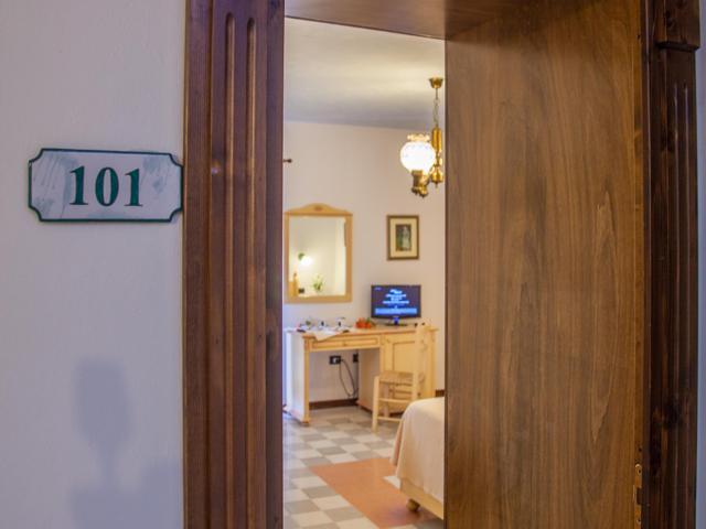 hotel-sa-mola-bonarcado-sardinie (2).png