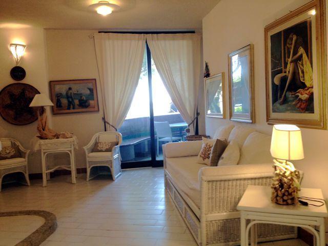 sardinie-4-persoons-vakantiehuis-aan-zee (1).jpg