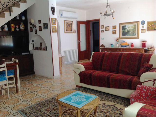 vakantiehuizen-sardinie-pula-sardinia (1).jpg
