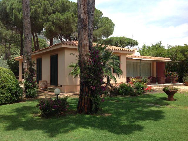 villa-la-bouganvillea-pula-sardinie (1).jpg
