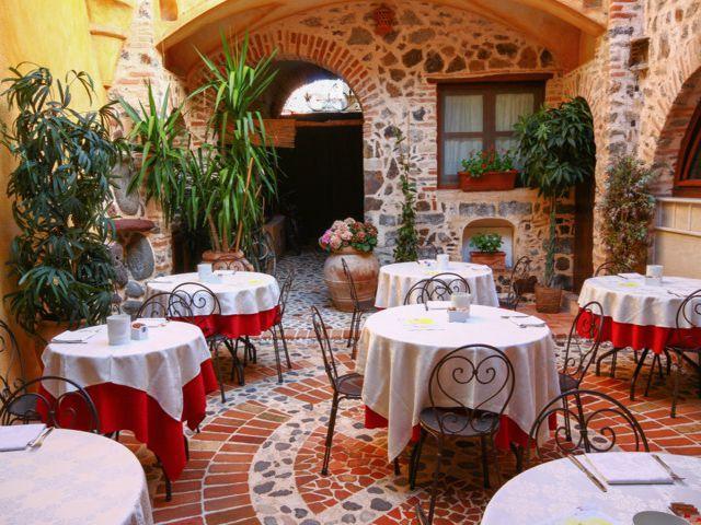 bijzonder_hotel_sardinie_palathos anticos (3).jpg