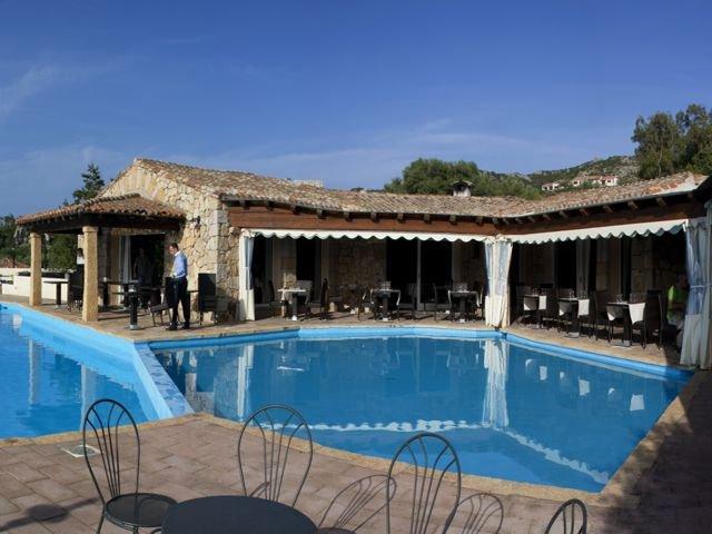 appartementen-sardinie-met-zwembad.jpg