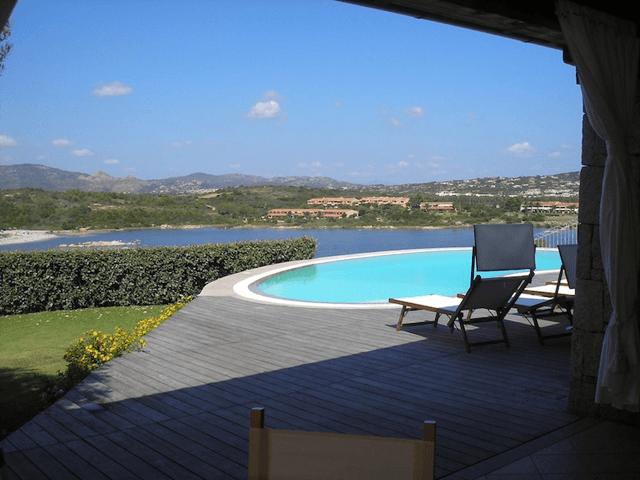 luxe villa's in noord oost sardinie - sardinia4all (11).png