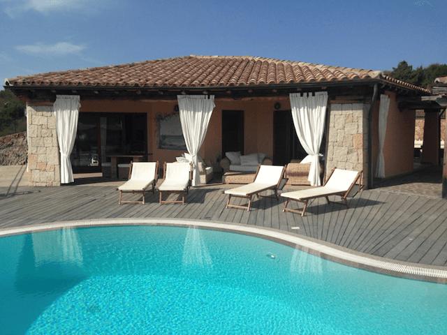 luxe villa's in noord oost sardinie - sardinia4all (6).png