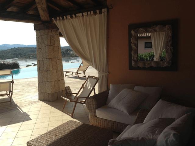 luxe villa's in noord oost sardinie - sardinia4all (9).png