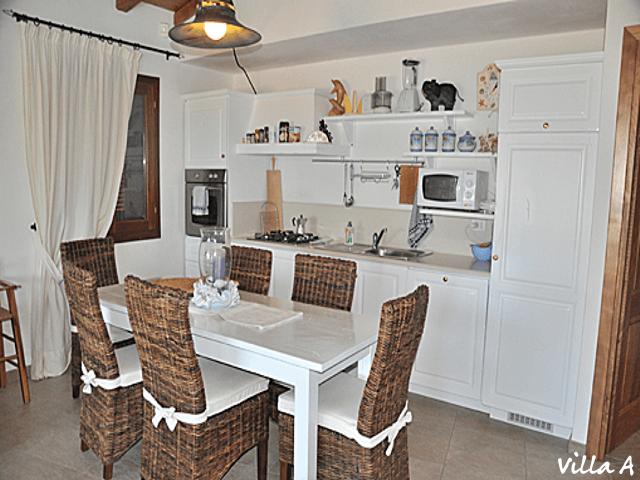 luxe vakantiehuis aan zee op sardinie (1).png