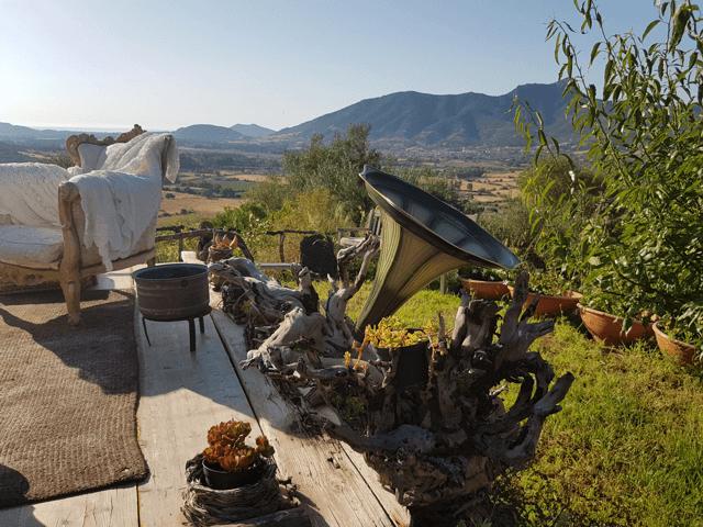 vakantie-sardinie-herders-hutjes-essenza (5).png