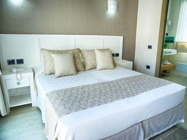 eliantos hotel - deluxe kamer - sardinia4all (2).jpg
