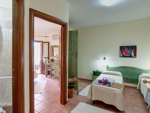 family comfort - hotel i ginepri - cala gonone (2).jpg