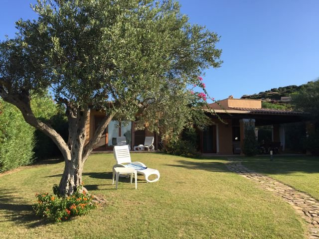 vakantiehuis sardinie - villa baia chia - villas sardinia (1).jpg