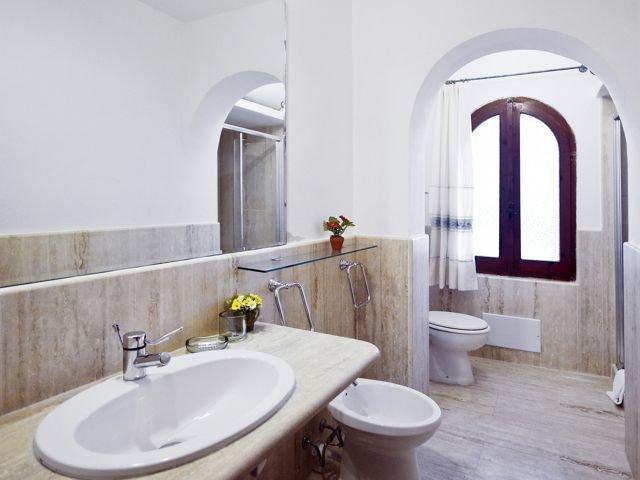 12-persoons-vakantiehuis-sardinie-sardinia4all (3).jpg