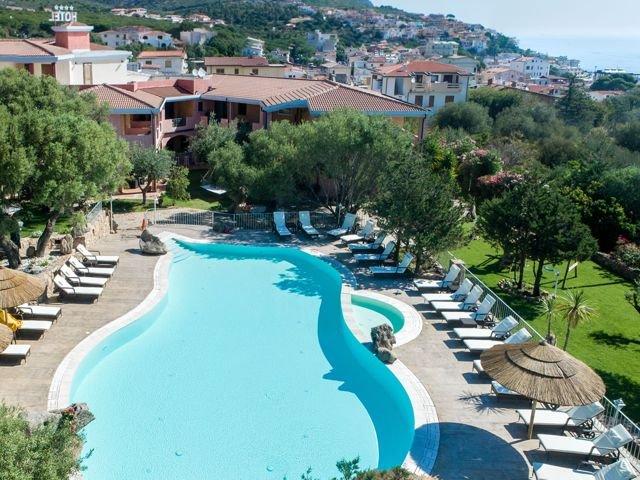club-hotel-residence-i-ginepri-cala-gonone-sardegna.jpg