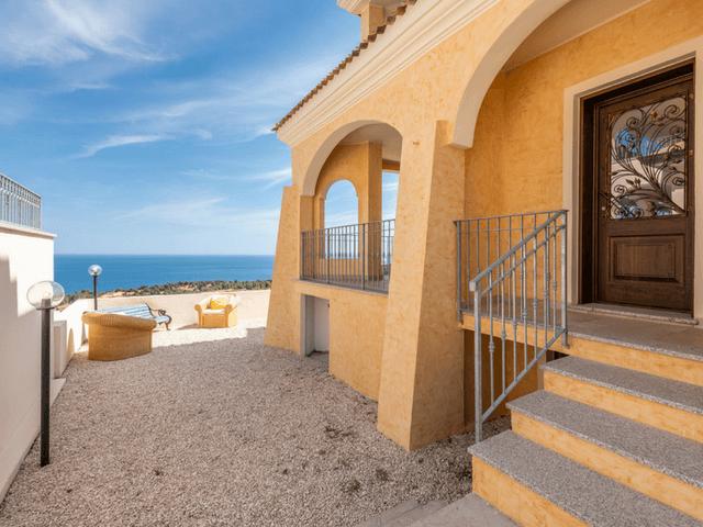 vakantie-appartement-sardinie-cala-gonone (13).png