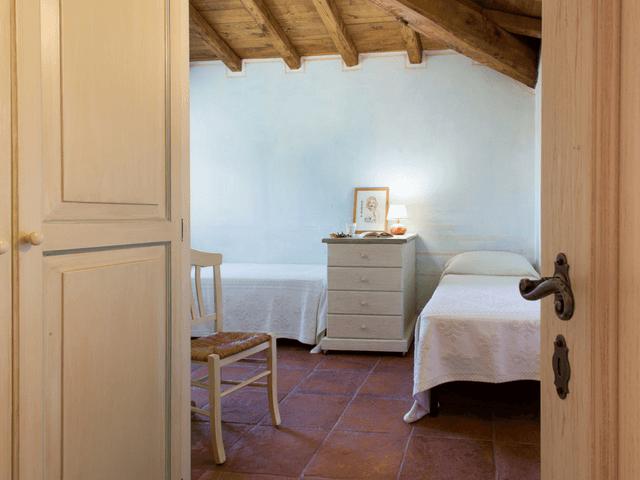 vakantiehuis met zwembad op sardinie - villa capo coda cavallo (15).png