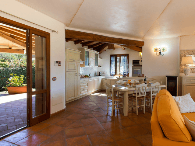 vakantiehuis met zwembad op sardinie - villa capo coda cavallo (11).png