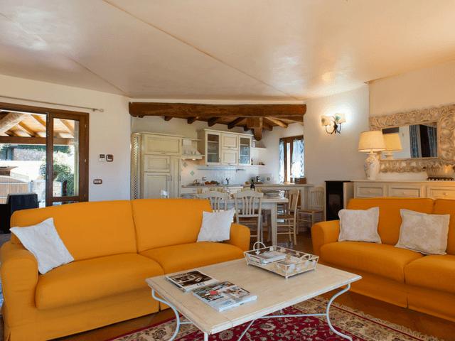 vakantiehuis met zwembad op sardinie - villa capo coda cavallo (10).png