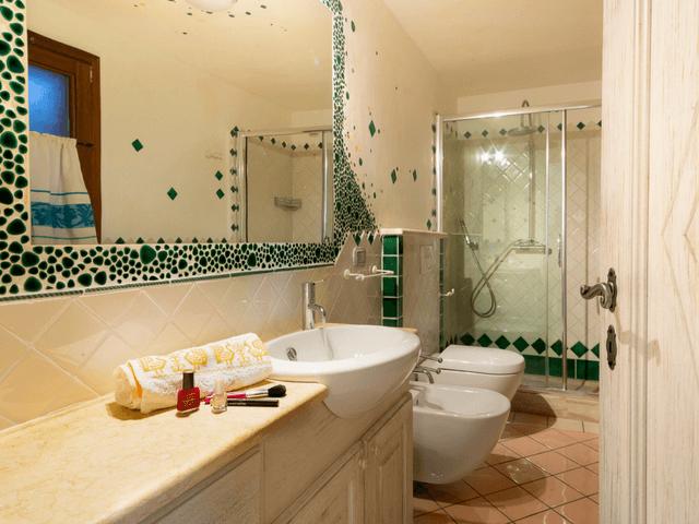 vakantiehuis met zwembad op sardinie - villa capo coda cavallo (39).png