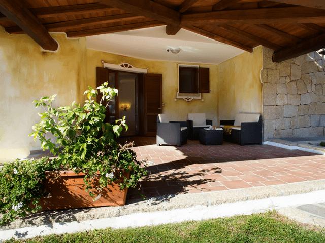 vakantiehuis met zwembad op sardinie - villa capo coda cavallo (44).png