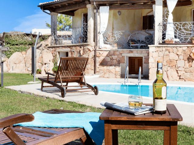 vakantiehuis met zwembad op sardinie - villa capo coda cavallo (28).png