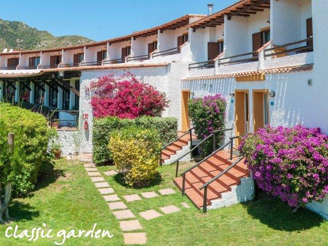 hotel cormoran classic tuin 1.jpg