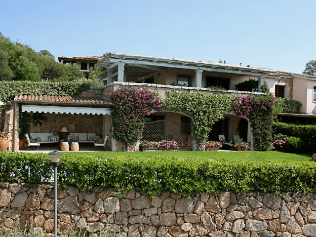 vakantiehuis-porto-rotondo-sardinie-met-zwembad (8).png