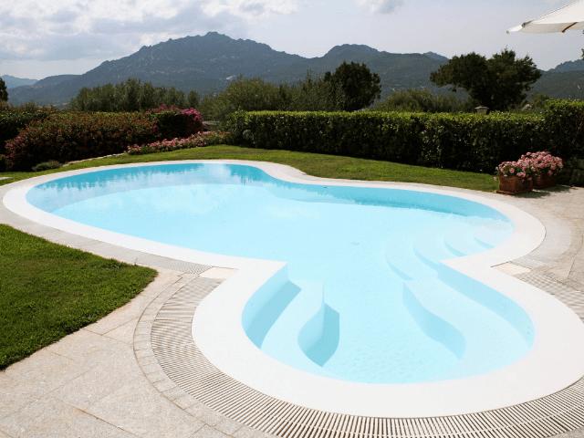 vakantiehuis-porto-rotondo-sardinie-met-zwembad (2).png