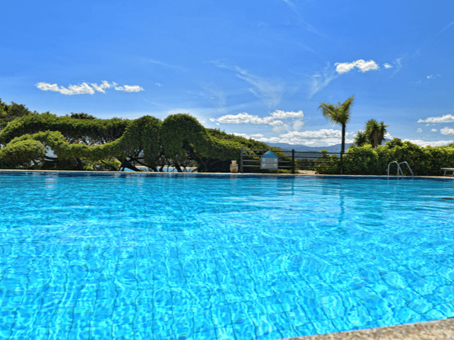 club-hotel-aan-zee-sardinie (4).png