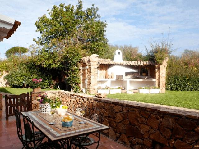 kleinschalig appartementen complex sardinie - villa antonina (1).png