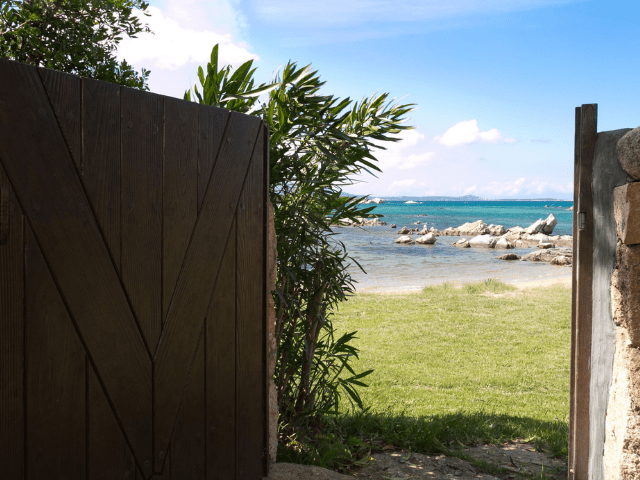 huis aan het strand op sardinie - beach villa golfo aranci - sardinia4all (14).png