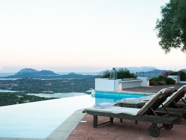 luxe villas sardinie- villa milaggiu - sardinia4all (11).jpg