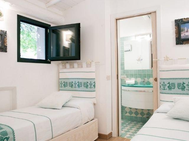 luxe villas sardinie- villa milaggiu - sardinia4all (29).jpg