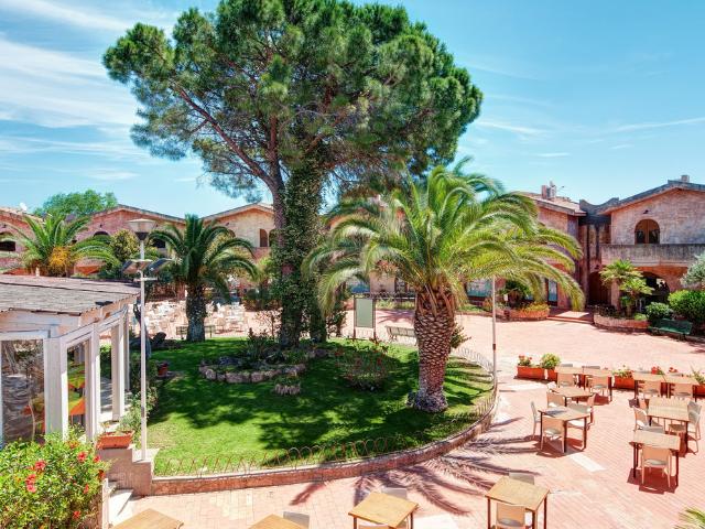 apartments piazza italia costa rei - sardinia4all (6).png
