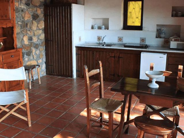 vakantiehuisje sardinie met zeezicht - casa delfino (3).png