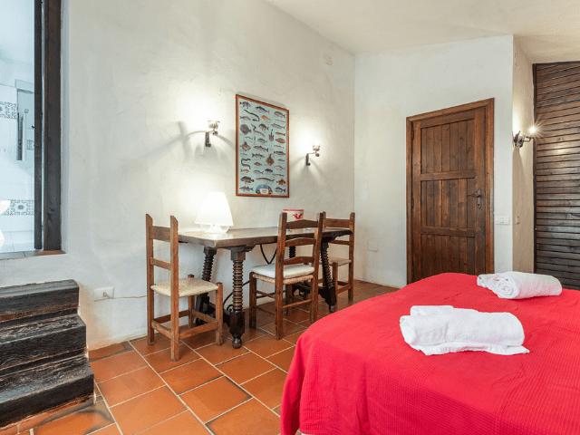 luxe huis sardinie met zeezicht en zwembad (22).png