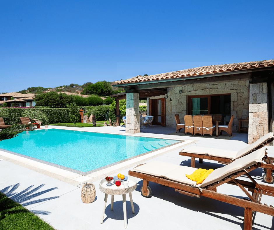 villa con piscina sardegna - sardinia4all (2).png