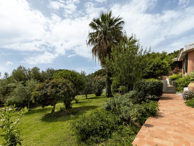villa met zwembad - torre delle stelle (29).png