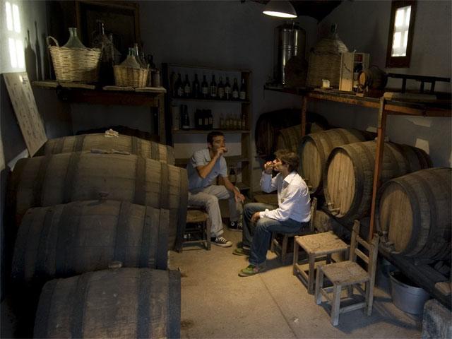 Wijnkelder - Hotel Lucrezia - Riola Sardo - Sardinië